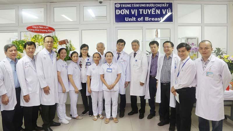 Đội ngũ y bác sĩ tại bệnh viện Chợ Rẫy